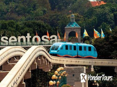 Full-Day Tour in Singapore with Show Tickets and Dinner