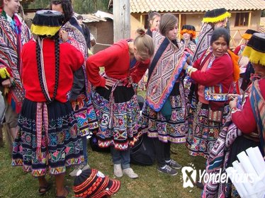 Full-Day Traditional Weaving and Culture Tour from Cusco, Peru