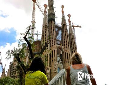 Half-Day Barcelona E-Bike Tour with Skip-the-Line Access to Sagrada Familia
