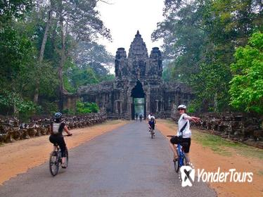 Half-Day Bike Tour from Siem Reap to Angkor Wat