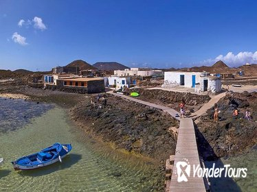 Half-Day Los Lobos Relax and Island Hop Sailing from Lanzarote without pick up