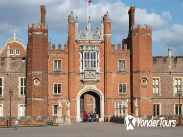 Hampton Court Palace to Windsor Castle Shuttle Service in London