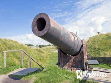 Helsinki Shore Excursion: Private Half-Day City and Suomenlinna Sea Fortress Tour