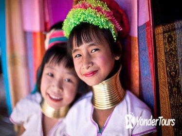 Hill Tribe Village Tour and River Cruise including Lunch from Chiang Mai