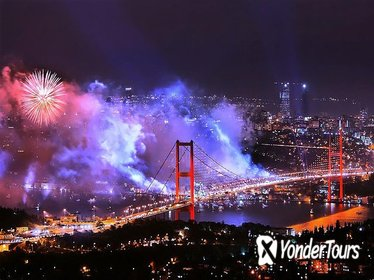 Istanbul New Year 2019 Dinner and Party Cruise on the Bosphorus