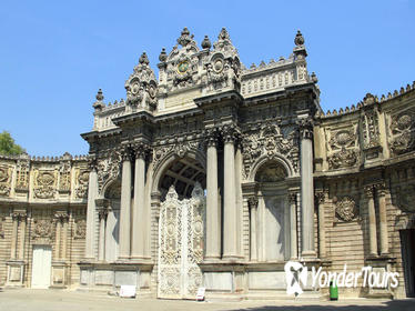 Istanbul Two Continents Tour Including Dolmabahçe Palace and Bosphorus Sightseeing Cruise