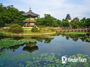 Korean Palace and Temple Tour in Seoul: Gyeongbokgung Palace and Jogyesa Temple