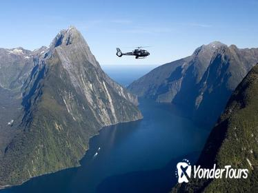 Milford and Fiordland Highlights Tour by Helicopter from Queenstown