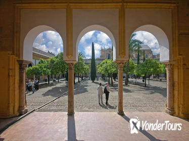 Mosque and Jewish Quarter Walking Tour
