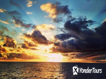 Na Pali Sunset Dinner or Morning Continental Breakfast Cruise and Snorkel