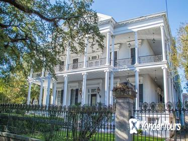 New Orleans Garden District Walking Tour, Including Lafayette Cemetery No. 1