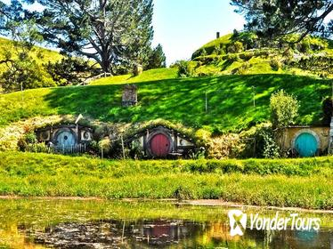 North Island Four-Day Highlights Tour from Auckland