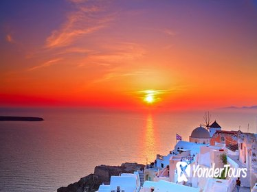 Oia Sunset and Traditional Villages Tour in Santorini