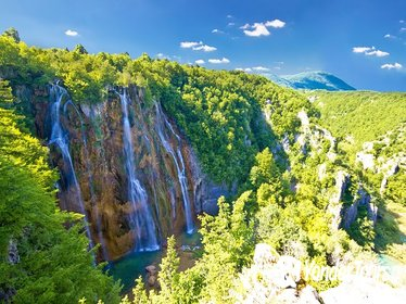 Plitvice Lakes Private Day Tour from Zagreb with Transfer to Zadar (or vice versa)