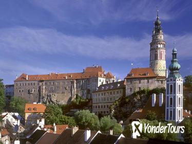 Prague Day Trip to Cesky Krumlov with Historic City Center Walking Tour and Cesky Krumlov Castle