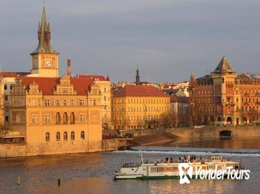 Prague Sightseeing Tour Including Vltava River Cruise