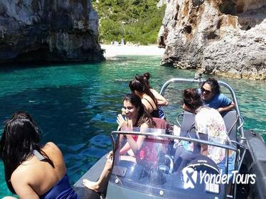 Private Boat Tour: Vis island Caves and Nature