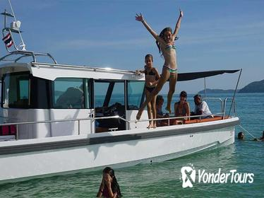 Private Day Trip on Luxury Speedboat from Phuket with Lunch