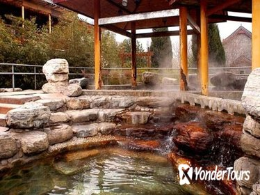 Private Day Trip: Outdoor Hot Spring with Massage plus Juyongguan Pass Visiting