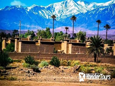 Private driver guide in marrakech to visit the almohad empire emprunts
