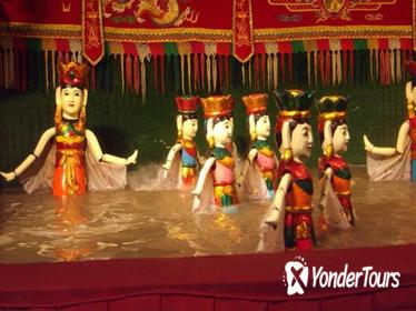 Private Evening Cyclo Tour in Hanoi with Water Puppet Show