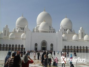 Private Full Day Abu Dhabi Tour up to 8 persons