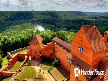 Private Full-Day Culture and Food Tour to Sigulda and Cesis