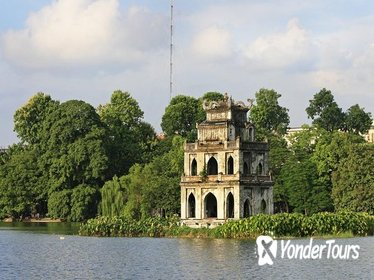 Private Half-Day Hanoi Walking Tour: Old Quarter, Bach Ma Temple and Bia Hoi Corner