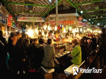 Private K-Food Walking Tour Including Visit to Dongdaemun District