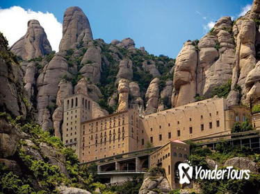 Private Round-Trip Transfer to Montserrat from Barcelona