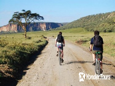 Private Tour: Hells Gate and Lake Naivasha Guided from Nairobi