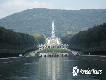 Private Tour: Royal Palace of Caserta and Shopping Tour from Naples