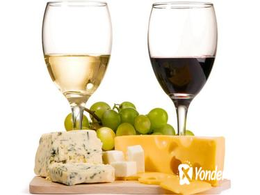 Private Wine and Cheese Tasting Tour in Vilnius
