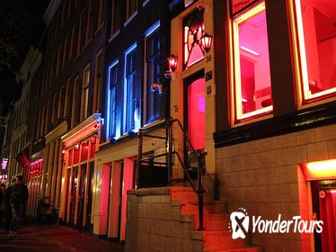 Red Light District Tour: Meet a window girl