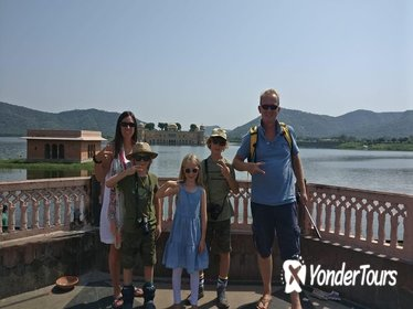 Royal Trails of Jaipur (Guided Full Day Sightseeing City Tour)