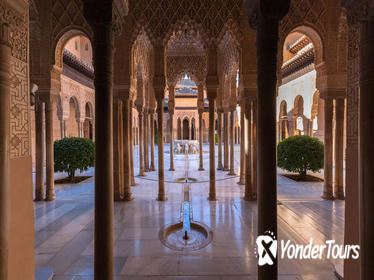 Skip-the-Line: Alhambra Tour and Granada Hammam