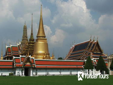 Small Group Tour to Royal Grand Palace in Bangkok