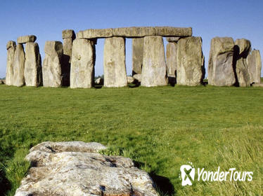 Small-Group Day Trip to Stonehenge, Glastonbury, and Avebury from London