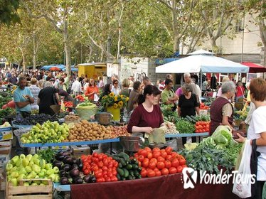 Small-Group Food Tour of Split Markets and Diocletian's Palace with Tastings
