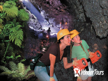 Small-Group Luxury Tour: Road to Hana and Ka'eleku Cavern Day Trip