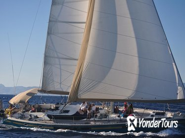 Small-Group Sailing Yacht Cruise to Rhenia and Guided Tour of Delos
