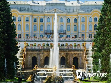 St Petersburg Must-See's and Peterhof in One-Day Tour