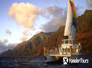 Sunset Dinner Cruise Off the Na Pali Coast