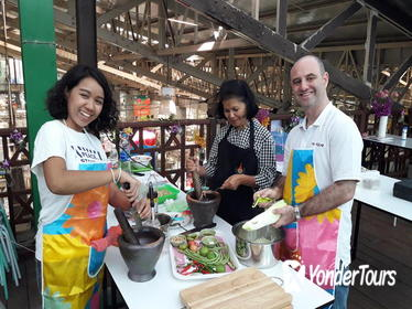 Thai Cooking Class and Market Visit in Bangkok