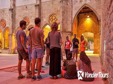 The Dark History Night Walking Tour in Barcelona