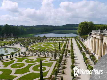 Versailles Tour with Private guide and Driver