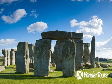 Windsor, Stonehenge and Bath Day Trip from London