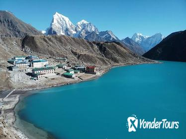 Everest Base Camp With Chola Pass via Gokyo Lakes