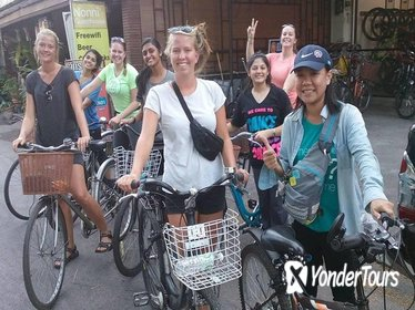 Half-Day Hidden Chiang Mai Food and Bike tour