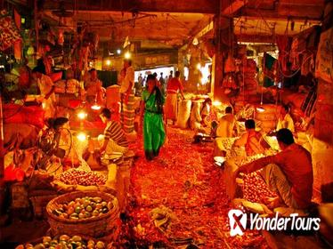 Highlights of Old Dhaka Including Kawran and Shankhari Bazar Visit and Lunch